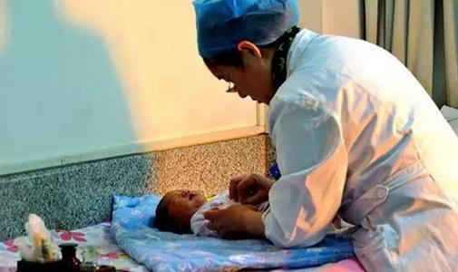 如何给新生儿挑衣服?新生儿选衣服的法则