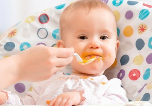 宝宝多大可以吃水果泥?婴儿吃水果泥有哪些好处