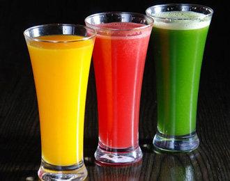 坐月子能喝鲜榨果汁吗?产妇喝果汁好吗?