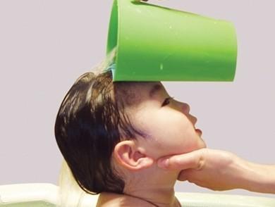 如何给宝宝洗头?给婴儿洗头注意事项